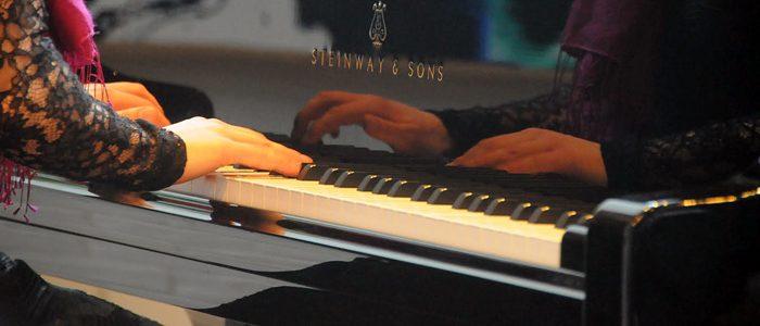 zongorazo-holgy-700
