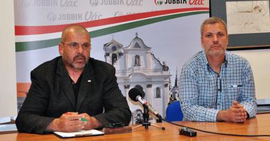A Jobbik két fontos témája: színház és kavicsbánya