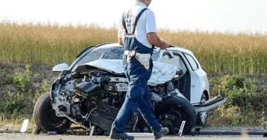 Árokba borult az autó, bűncselekmény miatt nyomoznak