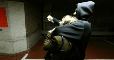 Késsel rabolta ki a vasúti pénztárost, tárgyalásra vár